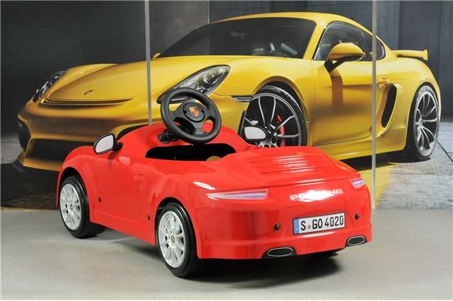 TEILE.COM   Children's car Porsche 911 pedal drive. For ages 3 - 5 on porsche cayenne, porsche models, porsche gt, porsche girl, porsche gt4, porsche vs corvette, porsche 9ff, porsche carrera, porsche spyder, porsche panamera, porsche boxster, porsche 2 seater, porsche history,