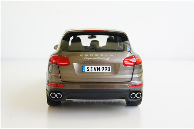neu porsche cayenne turbo s 958 facelift 2015 umbra. Black Bedroom Furniture Sets. Home Design Ideas